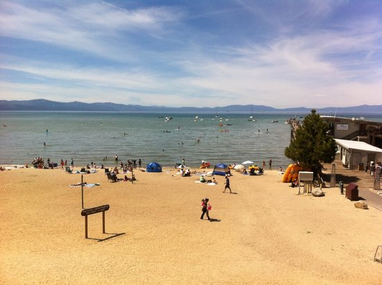Beach Retreat & Lodge at Tahoe: Lake view room #321