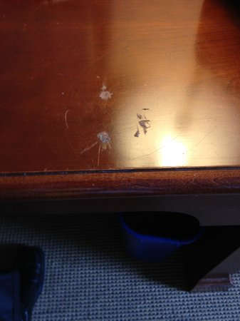 Sheraton Bucks County Hotel: Example of dirt on furniture