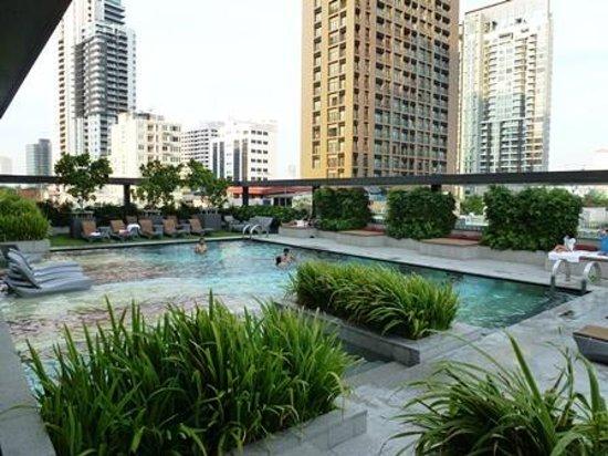 DoubleTree by Hilton Sukhumvit Bangkok : プール