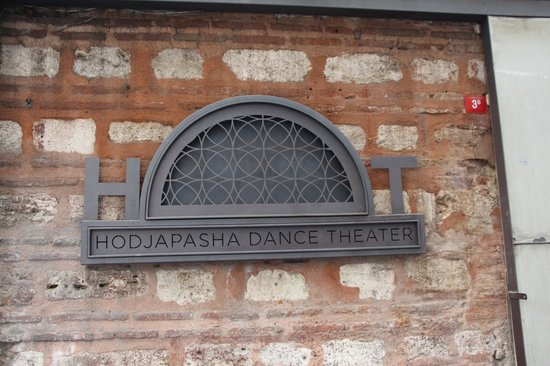 Hodjapasha Cultural Center: Show dos Dervixes - Entrada do Teatro