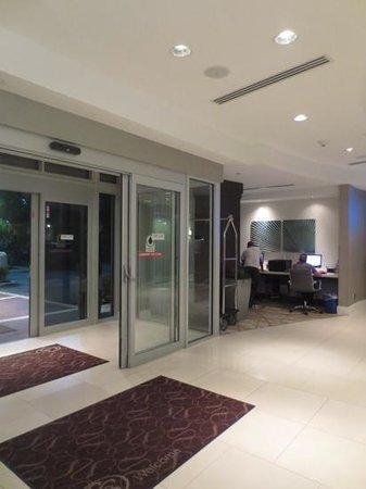 Comfort Suites Miami Airport North: lobby