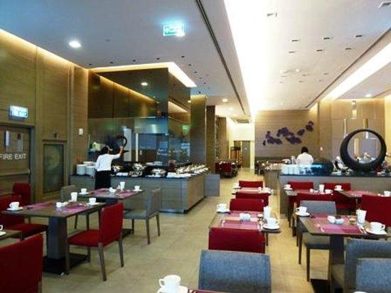 Mercure Bangkok Siam: 朝食会場
