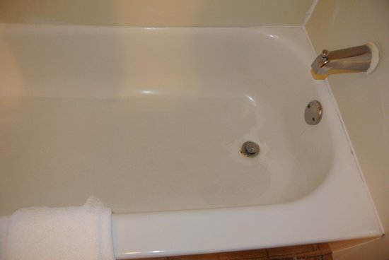 Embassy Suites by Hilton Columbia - Greystone : Disgusting tub