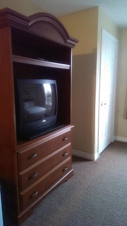 Cranberry Resort: Television