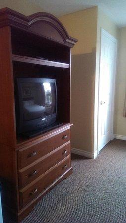 Cranberry Resort : Television