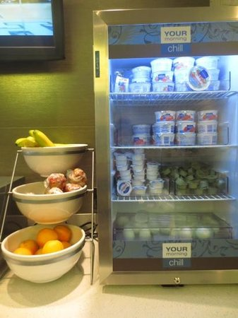 Comfort Suites Miami Airport North: breakfast