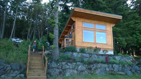 Snug Harbor Resort & Marina: cabin 11