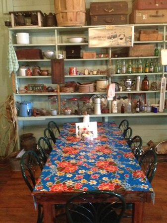 Lone Star Barbecue & Mercantile: dining room