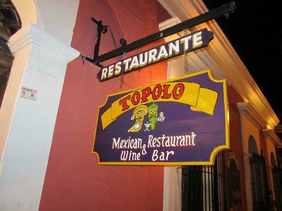 Topolo: Outside