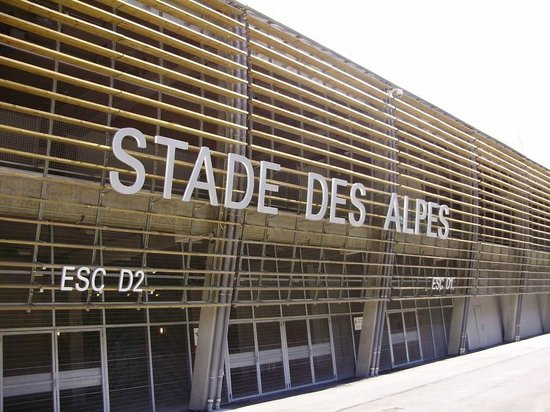le stade des Alpes : Exterior do estádio