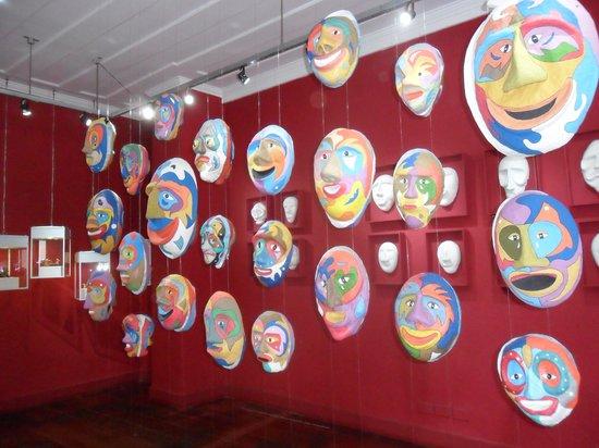 Casa da Cultura de Paraty: Máscaras decorativas