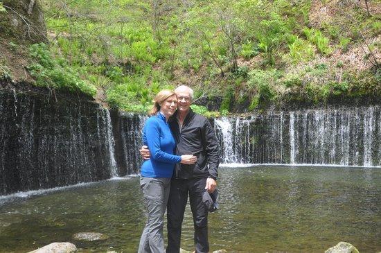 HOSHINOYA Karuizawa: Bowl-shaped waterfall from natural springs