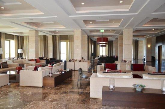 Anantara Vilamoura Algarve Resort: Sala próxima do lobby-Hotel Tivoli Victoria-Algarve