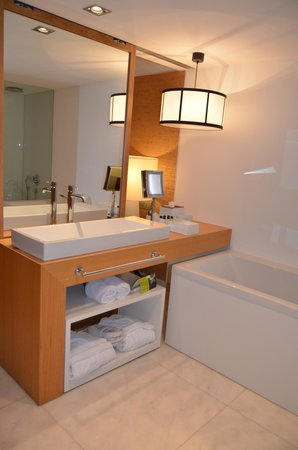 Anantara Vilamoura Algarve Resort: Casa de banho do quarto-Hotel Tivoli Victoria-Algarve