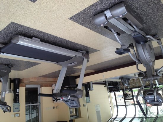 Best Western Sundowner: gym equipment upside down oops