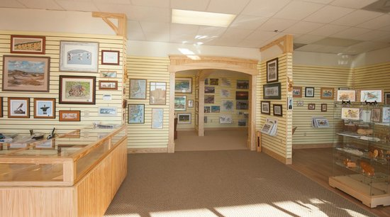 Yellowhouse Gallery: Local photography, art, and giftware