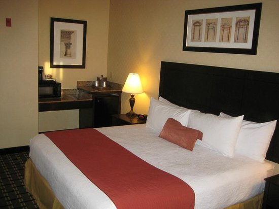 BEST WESTERN PLUS Las Vegas West: Comfy Bedding - 1st stay