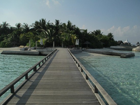 Baros Maldives: pathway from water Villa to island
