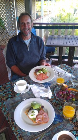 Avocado Grove B&B: This was 2nd course of our Breakfast!!