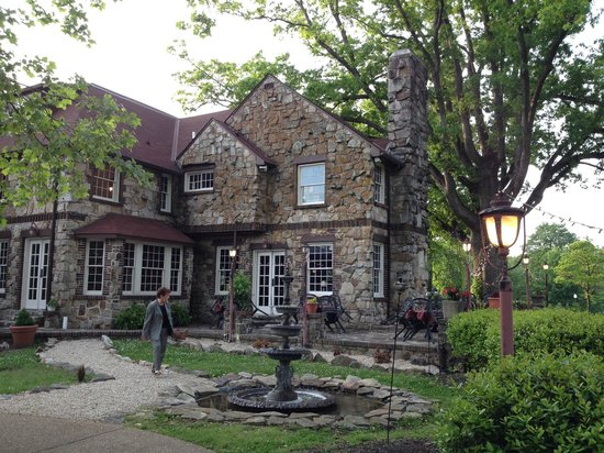 High Point Restaurant: Rear view of house and outdoor seating area