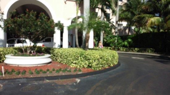 Renaissance Fort Lauderdale Cruise Port Hotel: Front entrance