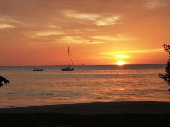 Hotel Condovac la Costa: sunset
