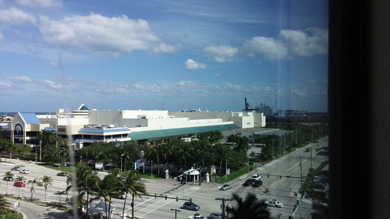 Renaissance Fort Lauderdale Cruise Port Hotel: View from room
