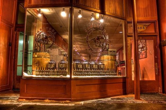 Saratoga Olive Oil Company: Beautiful Winter Evening In Saratoga Springs, NY