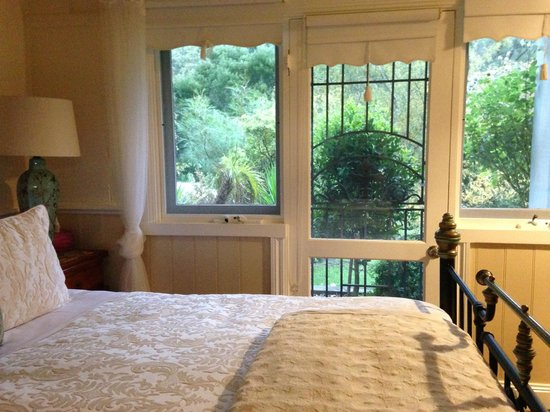 Brentwood Accommodation: Garden View suite- Brentwood B&B.