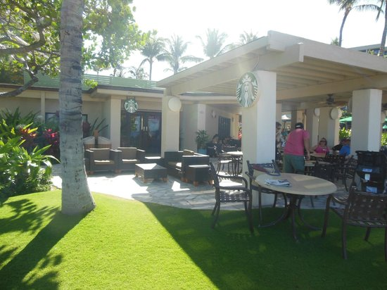 Marriott's Maui Ocean Club  - Lahaina & Napili Towers : STARBUCKS!!! Full service