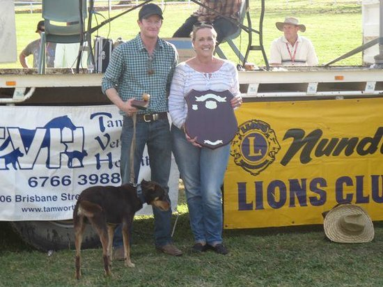 The Great Nundle Dog Race : This years winners of the main race