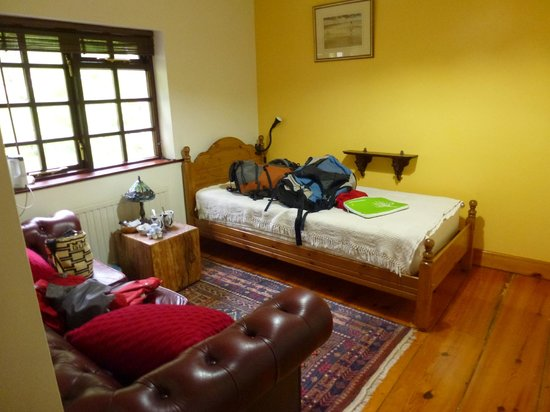 Derrymore House: Single bed in room #3