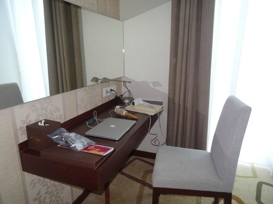 The Mira Hotel: It's a desk, no it's a dressing table!