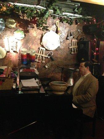 Da Marino Restaurant: Live piano player