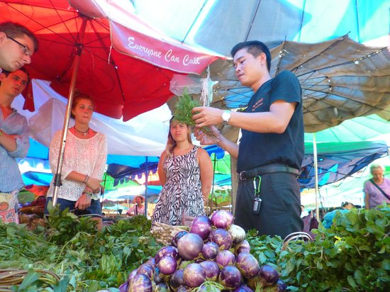 Tamarind Cooking Courses: Learning about dozens of ingredients at the local market