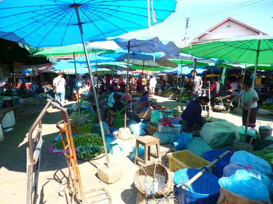 Tamarind Cooking Courses: Another view of the market