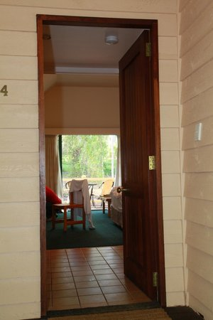 Heritage Trail Lodge: View into forest spa suite