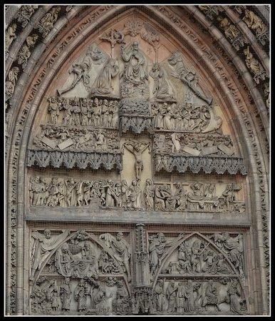 St. Lorenz Church (St. Lorenz Kirche): Портал церкви св. Лоренца