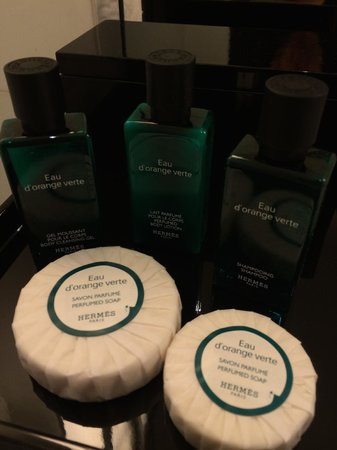 Hotel Scribe Paris Opera by Sofitel: Bathroom Amenities
