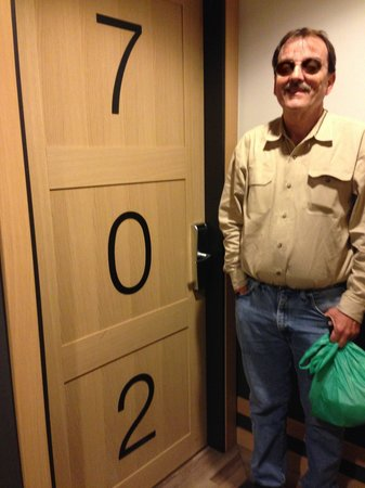 Hotel Jazz: Room 702