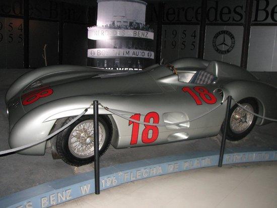 Museo Juan Manuel Fangio: La famosa Flecha de Plata