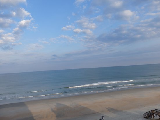 Oceanfront Litchfield Inn : View of beach from room 631 in Tower
