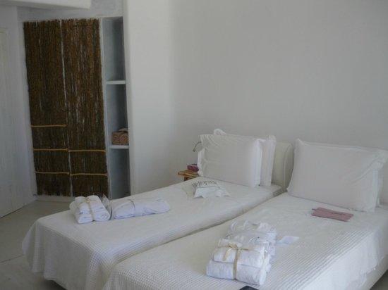 Rocabella Mykonos Hotel & SPA: Inside of room