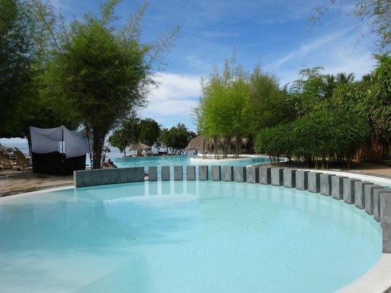 Bluewater Panglao Beach Resort: 2e piscine