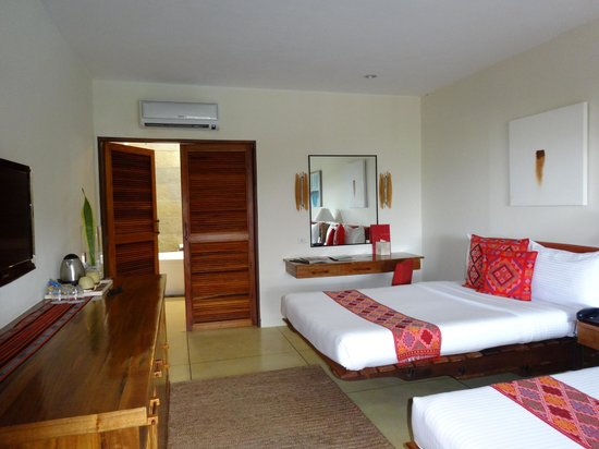 Bluewater Panglao Beach Resort: Chambre 102
