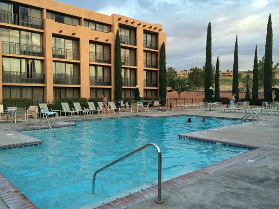 Courtyard Page at Lake Powell : Piscine