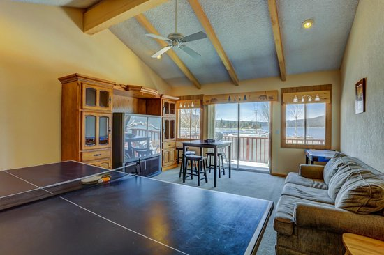 Cabins4less: From Luxury Lakefronts with Private patios and view to rustic Honey Moon and Family Cabins For L
