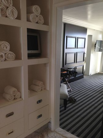Viceroy Santa Monica: View from bath into bedroom