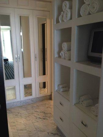 Viceroy Santa Monica: Large Bathroom in Suite