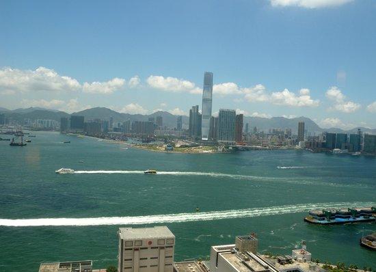 Ibis Hong Kong Central & Sheung Wan : 部屋からの景色1